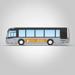 Autobús interurbano con rotulación estándar